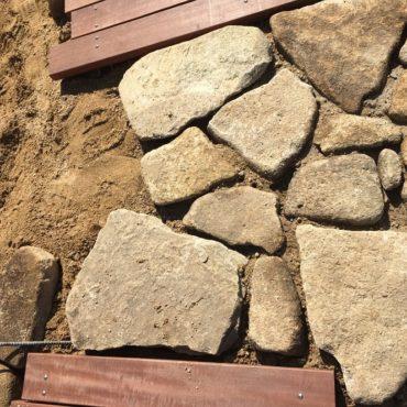 Kさま邸 石貼・水路迂回工事