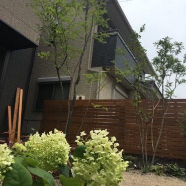 フェンスの色塗り・取付をお客様が施工されました