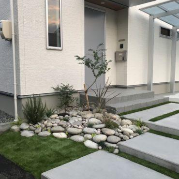まるい石の庭